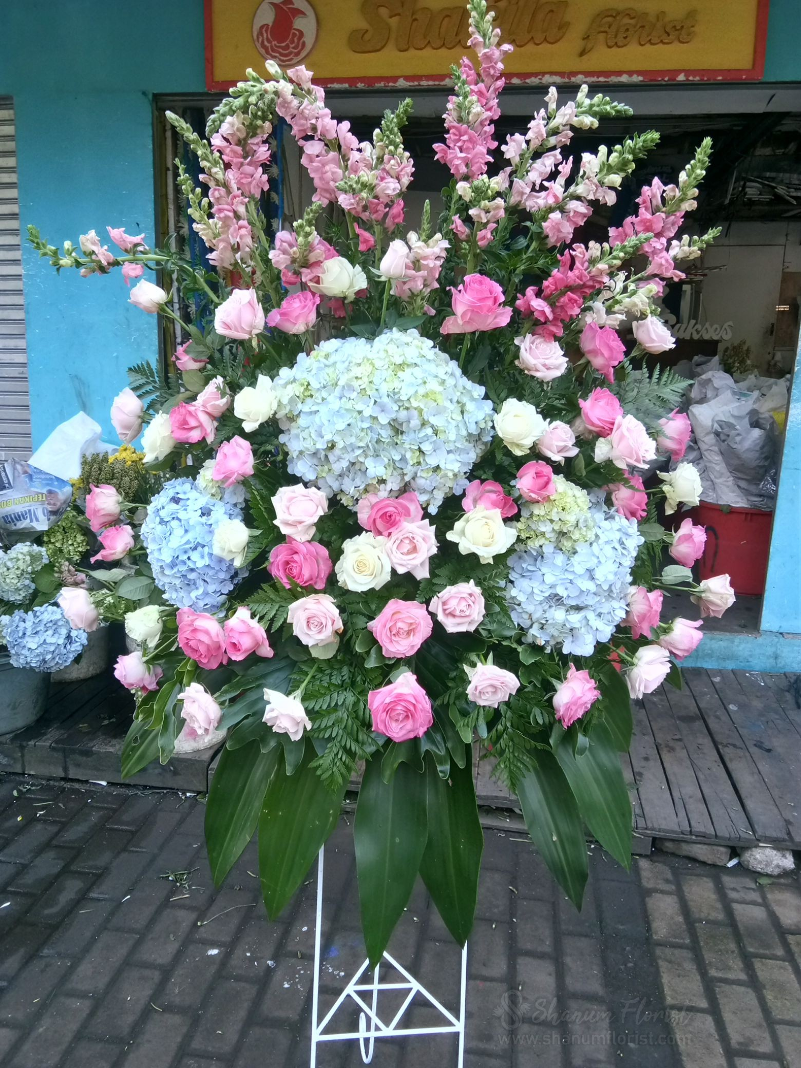 Standing Flowers 010